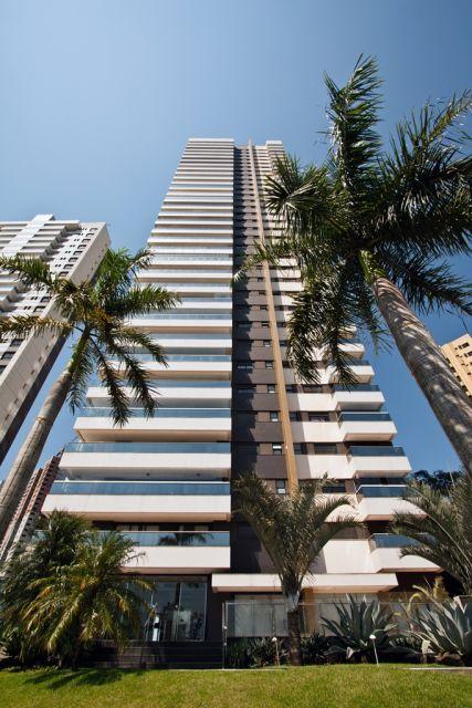 Apartamento,- 660m2 - 4 suítes máster c/ sacada, wcs c/ box, hidro,  lavabo, sls estar/jantar/tv, ampla sacadas,  copa, cozinha, despensa, A.S, Dep...